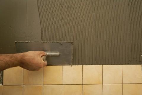 Чем выровнять стены под плитку в ванной
