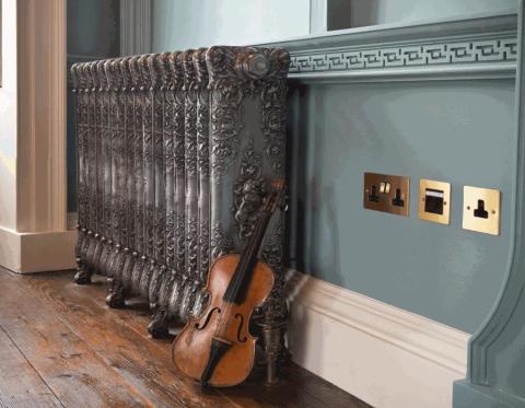 Такая батарея украсит любую комнату