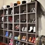 Такие шкафчики пригодятся любителям менять обувь по настроению
