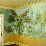 Нанесение рисунка на стену акрилом разных оттенков