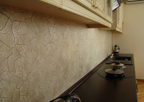 Кухонный фартук из декоративной штукатурки