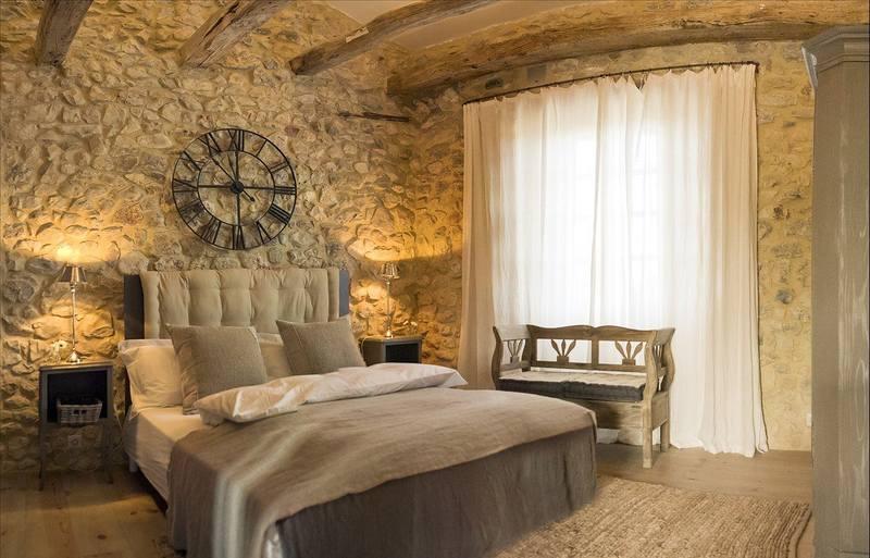 Стены в спальне в стиле прованс