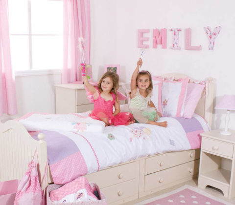 Нежные розовые оттенки для комнаты маленькой принцессы