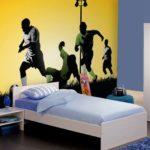 Оформление комнаты мальчика фотообоями на футбольную тему