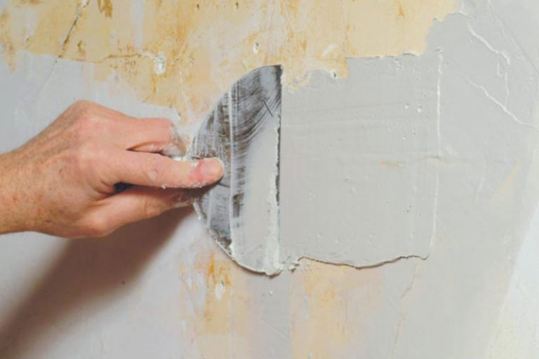 Как зашпаклевать дыры в стене своими руками 90