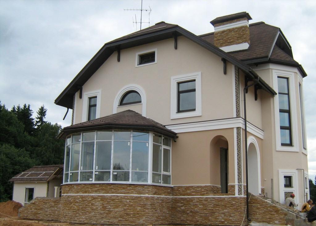 оштукатуренный дом снаружи фото