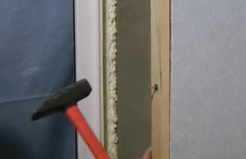 как крепить обрешетку к кирпичной стене
