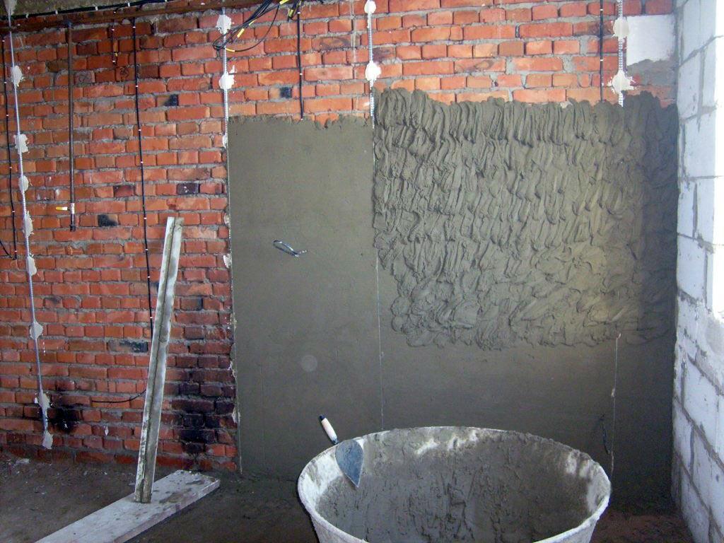 Как штукатурить стену цементным раствором без маяков керамзитобетон из пескобетона пропорция