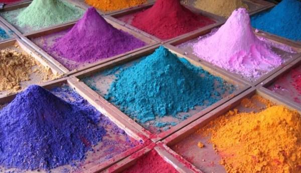 На фото порошковые полимерные краски