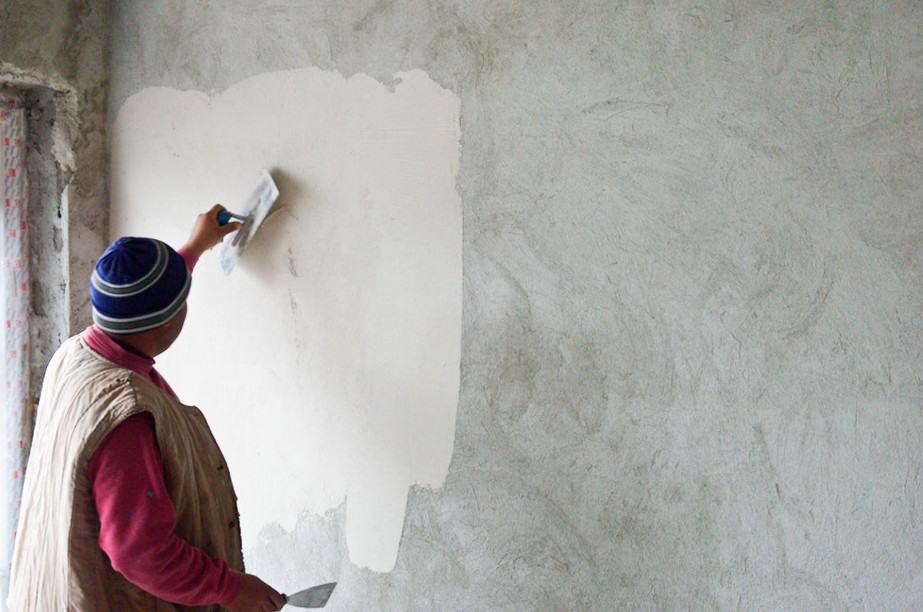 чем красить цементную штукатурку