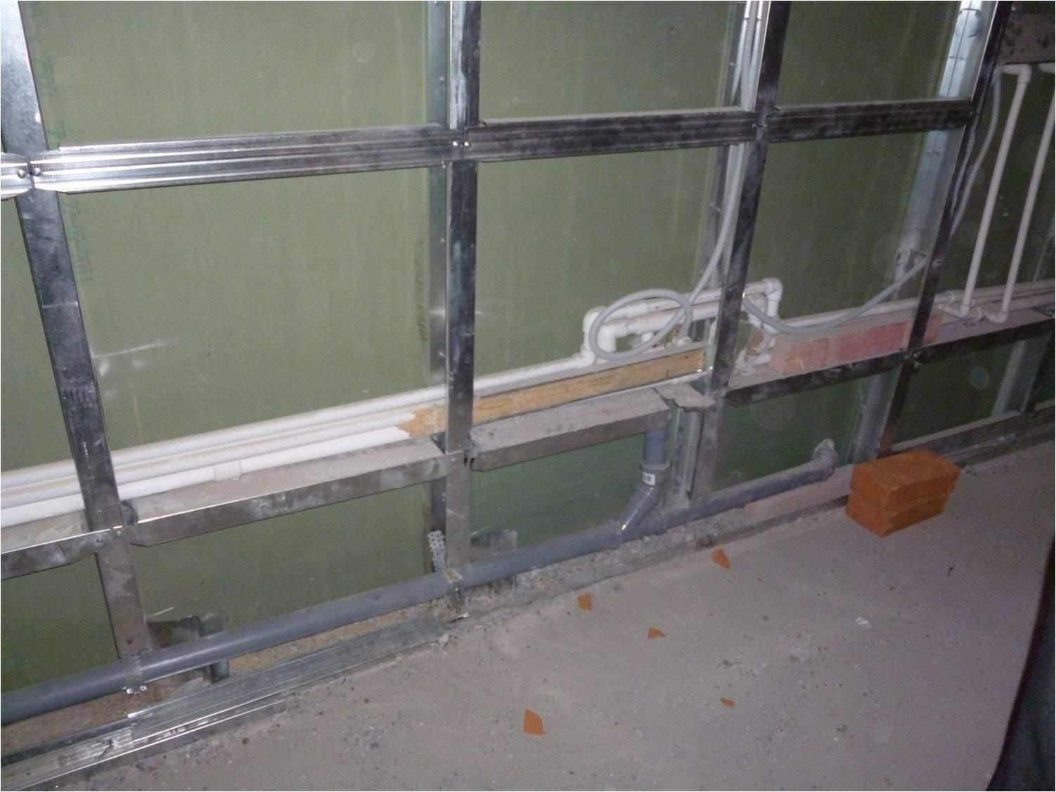 монтаж металлопрофиля на стены