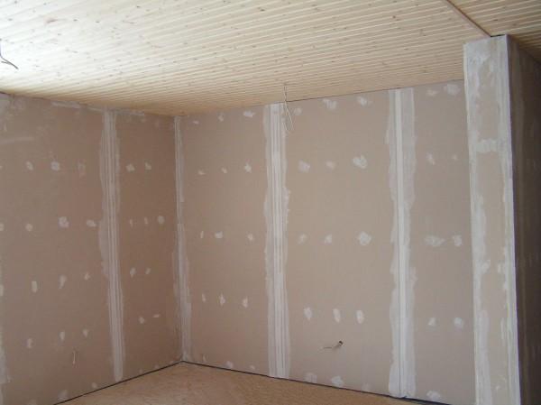 Перед процессом установки обрешётки, необходимо подготовить стены и обязательно разметить их