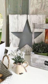Даже самое, казалось бы, простое и примитивное деревянное панно, будет настоящим украшением комнаты