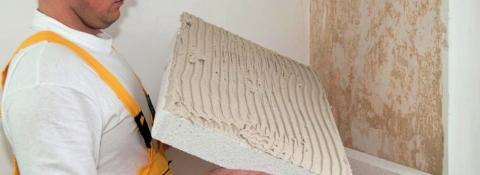 Для монтажа пенопласта на стены для их утепления, не требуются особые навыки или дорогостоящее оборудование
