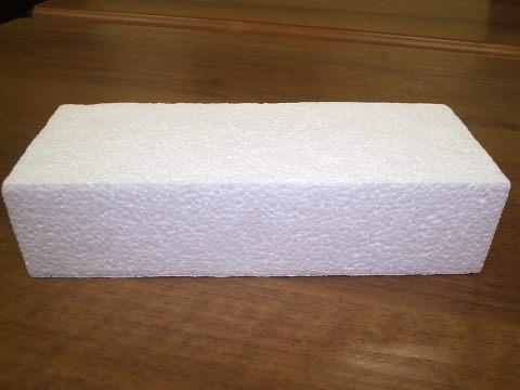 На сегодняшний день пенопласт является самым простым и дешёвым материалом для утепления стен