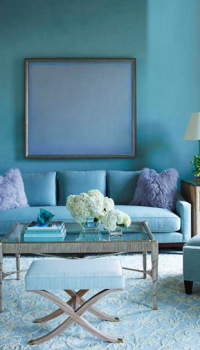 Сочетание голубого цвета в зале