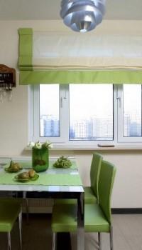 Отделка места для стола на кухне