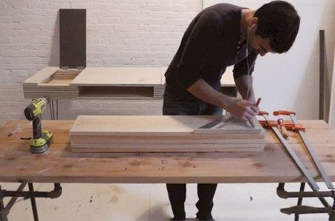 Делаем разметку и режем материал