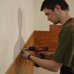 Крепление МДФ панелей саморезами к стене