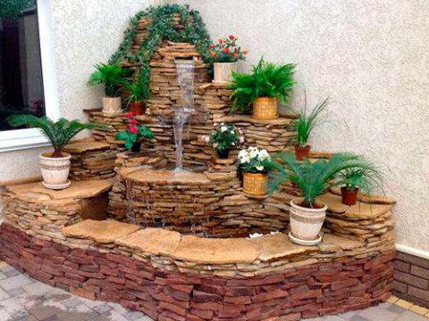 Оформление интерьера фонтаном