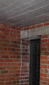 При значительных нагрузках нужна только бетонная перемычка