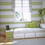 Цвет обоев сочетается с элементами мебели