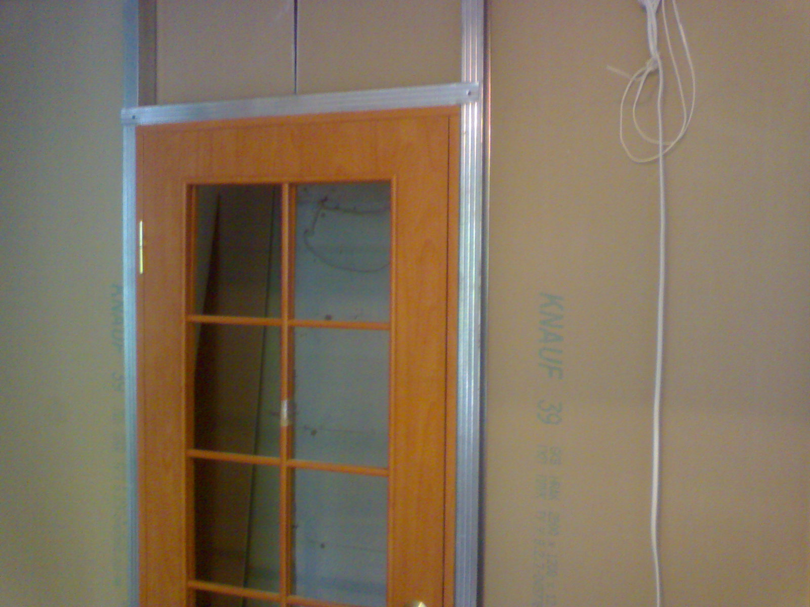 монтаж двери в гипсокартон