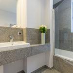плитка в туалете фото в современном стиле