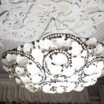 потолки с лепниной декор фото